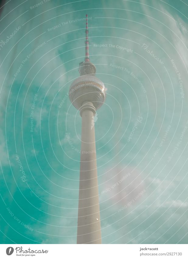 grüne Wellenlänge Sightseeing Luft Himmel Wolken Schönes Wetter Berlin-Mitte Bauwerk Sehenswürdigkeit Wahrzeichen Berliner Fernsehturm groß lang Originalität