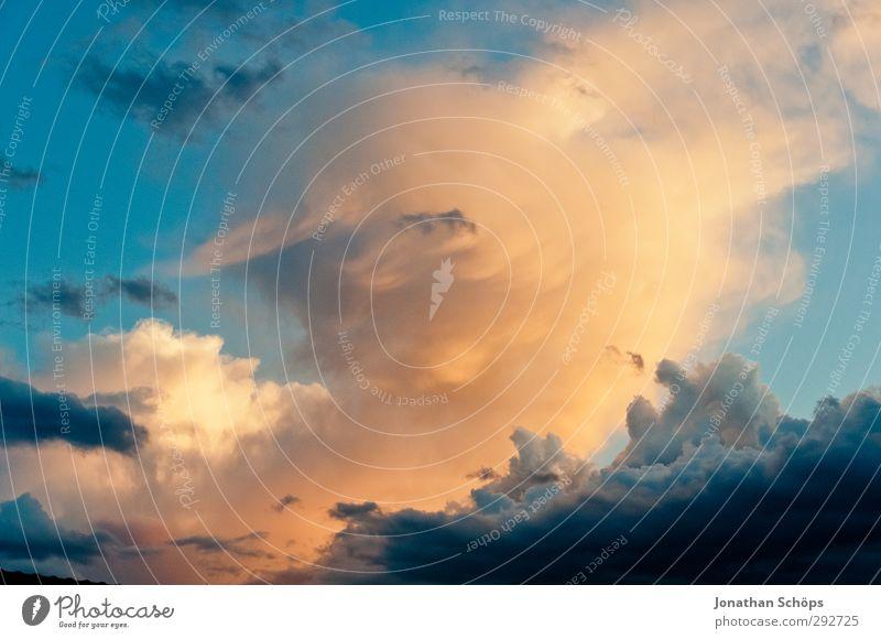 Korsika XV Himmel blau Wolken Umwelt Freiheit orange Hoffnung Unendlichkeit Kitsch Frieden erleuchten Blauer Himmel himmelwärts Wolkendecke Wolkenformation