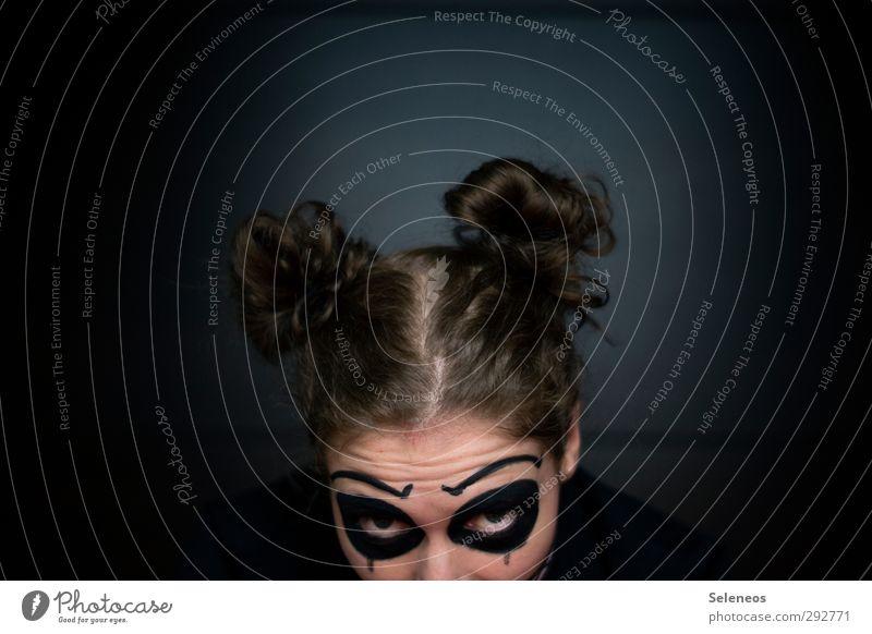 lunsen Haare & Frisuren Haut Gesicht Kosmetik Schminke Mensch Frau Erwachsene Auge 1 Scheitel Blick dunkel Karneval Halloween verkleidet verkleiden angemalt
