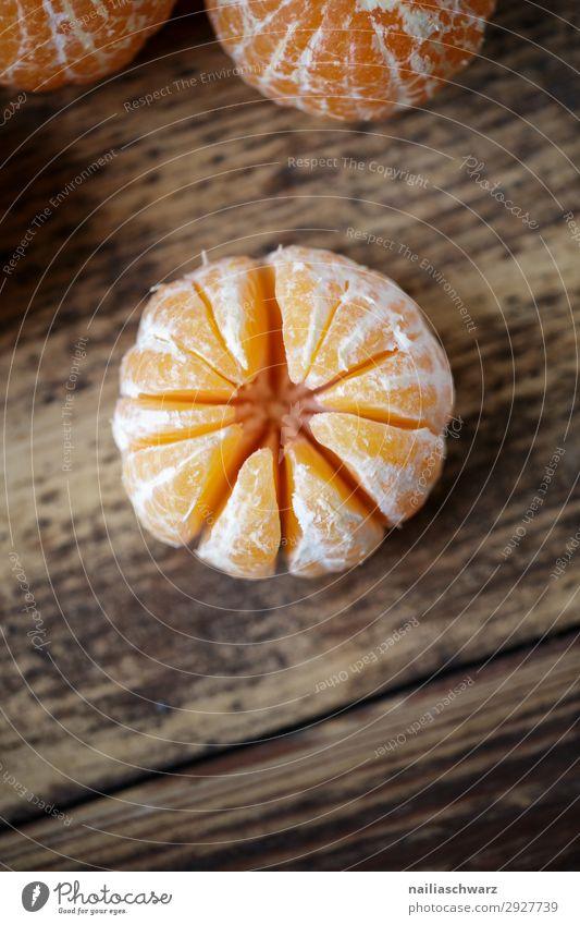 frische Clementine Lebensmittel Frucht Mandarine Ernährung Bioprodukte Vegetarische Ernährung Lifestyle Gesundheit Gesunde Ernährung Winter Snowboard Tisch