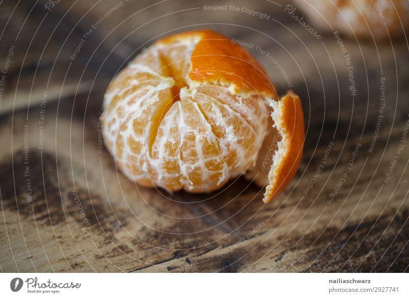 Frishe Clementine Lebensmittel Frucht Orange Mandarine Bioprodukte Vegetarische Ernährung Diät Fasten Lifestyle Gesunde Ernährung Holz frisch Gesundheit lecker