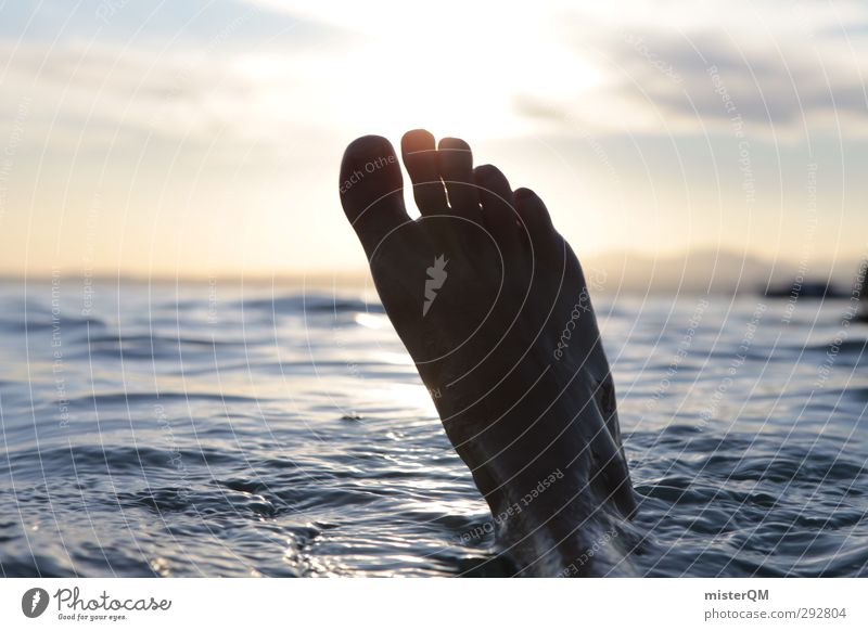 Eisfuß voraus! Wasser Sommer Freude Freiheit See Schwimmen & Baden Fuß Kunst ästhetisch Jugendkultur Sommerurlaub Erfrischung Wasseroberfläche Leichtigkeit Wassersport sommerlich