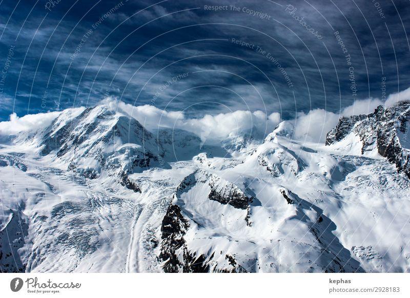 Viertausender in Wolken Berge u. Gebirge Umwelt Natur Landschaft Urelemente Himmel Winter Alpen Kanton Wallis Schweiz Gipfel Schneebedeckte Gipfel Gletscher