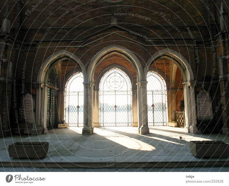 1001 Nacht in Venedig Sonnenaufgang Sonnenuntergang Sonnenlicht Schönes Wetter Italien Menschenleer Kirche Dom Kapelle Torbogen Kirchenfenster Friedhof Zeichen