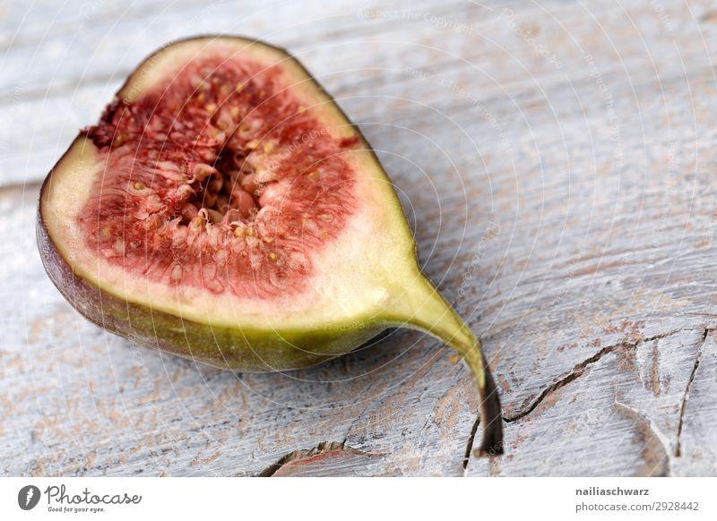 frische Feige Lebensmittel Frucht Ernährung Bioprodukte Vegetarische Ernährung Diät Lifestyle Gesunde Ernährung Holz Duft lecker natürlich saftig süß grau grün
