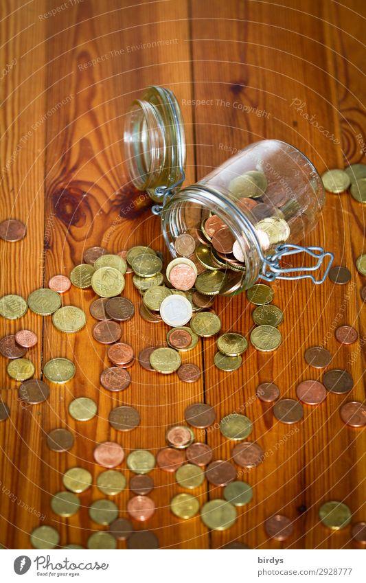 Notgroschen Holzfußboden Einmachglas Geldmünzen Euro Glas bezahlen authentisch braun gelb grau rot Sorge Zukunftsangst Frustration Armut Stress
