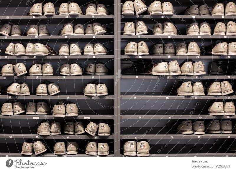 36 bis 42. weiß Sport Holz grau Mode Fuß Ordnung Schuhe Bekleidung kaufen Ziffern & Zahlen viele sportlich Turnschuh Leder Feierabend