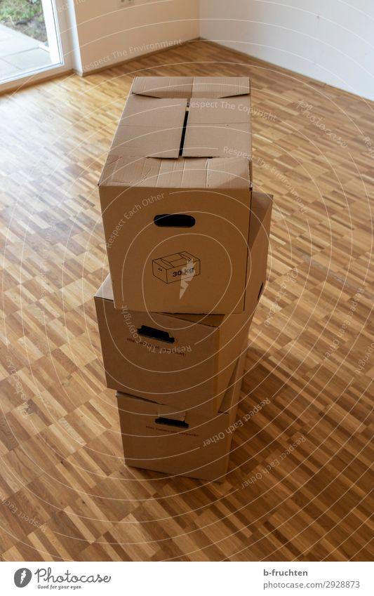 umzugkartons Büro Baustelle Haus Einfamilienhaus Verpackung Kasten Arbeit & Erwerbstätigkeit Umzugskarton Umzug (Wohnungswechsel) 3 Stapel leer Leerstand Raum