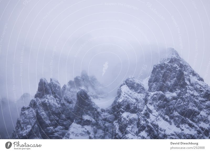 Besteigung verlegt Ferien & Urlaub & Reisen Winter Schnee Winterurlaub Berge u. Gebirge wandern Landschaft Himmel Wolken schlechtes Wetter Eis Frost Schneefall