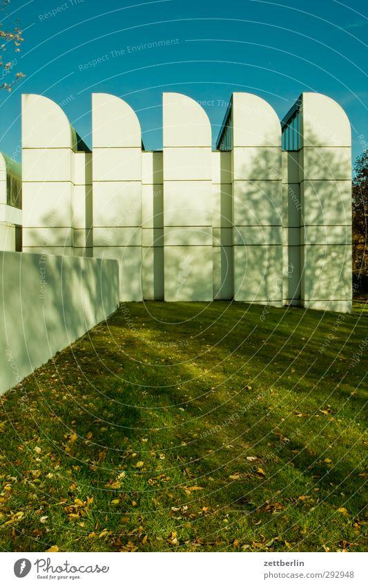 Bauhausarchiv schön weiß Wand Gras Berlin Architektur Mauer Gebäude Fassade modern gut Rasen Bauwerk Stadtzentrum Museum Sehenswürdigkeit