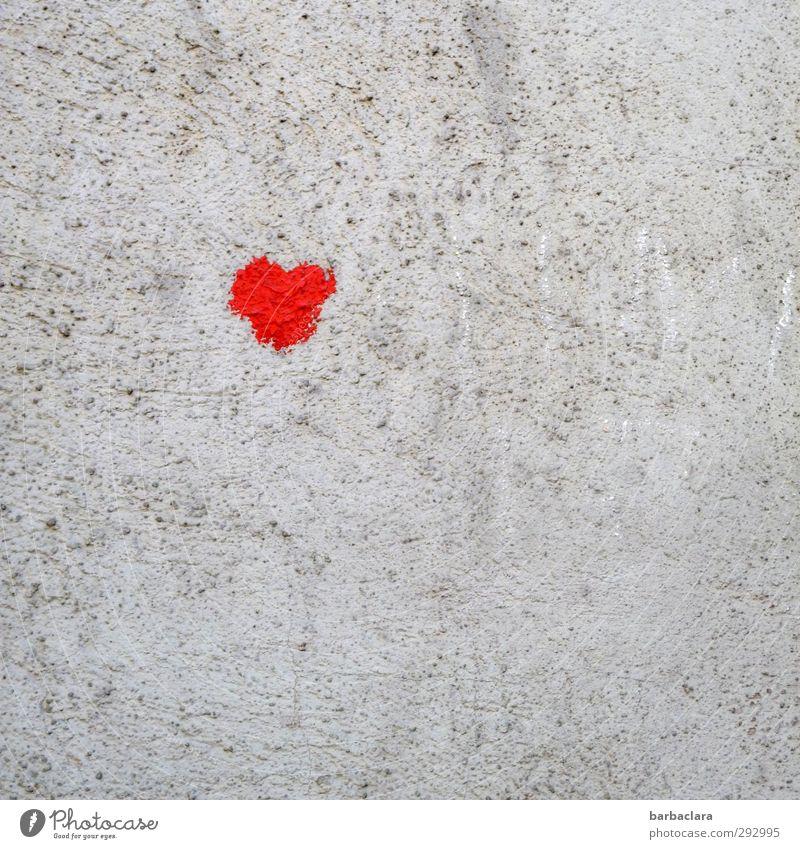 HOT LOVE | Herzilein Farbe rot Erotik Freude Wand Liebe Gefühle Mauer Glück klein grau Fassade Freundschaft Herz niedlich Romantik