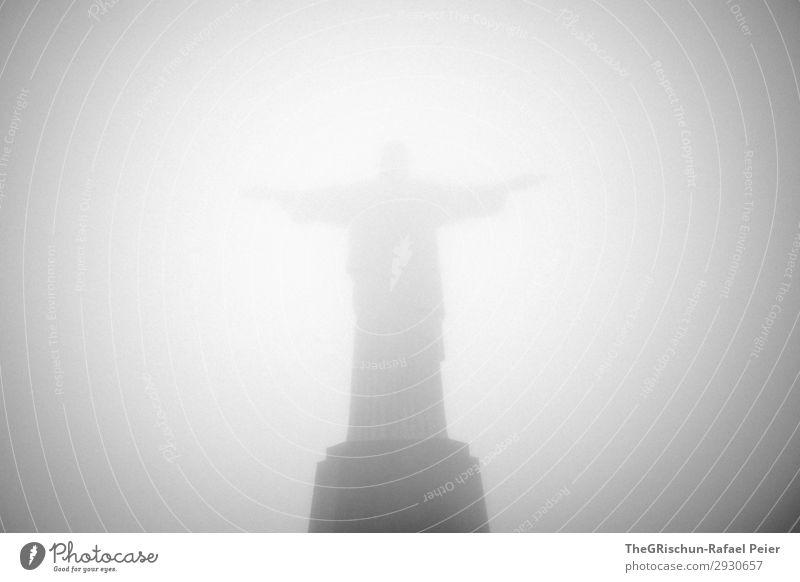 Cristo Redentor Stadt Hafenstadt grau schwarz weiß Statue christ the redeemer Segnung Entschuldigung Jesus Christus Brasilien Sockel Tourismus cristo redemptor