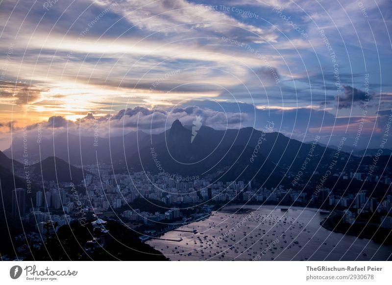 Sonnenuntergang Umwelt Natur Landschaft blau silber Berge u. Gebirge Meer Rio de Janeiro Brasilien Stadt Haus Hochhaus Wolken Farbfoto Außenaufnahme