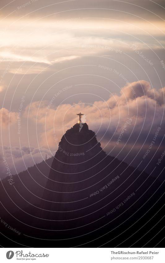 Christ the Redeemer Umwelt Natur Landschaft blau violett Sonnenuntergang Rio de Janeiro Brasilien Wolken Berge u. Gebirge Statue christ the redeemer