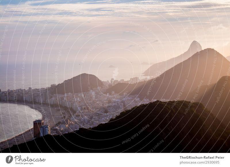 Strand Umwelt Natur Landschaft grau violett rosa schwarz silber weiß Sonnenuntergang Brasilien Rio de Janeiro Berge u. Gebirge Hügel Schatten Licht Lichtstrahl
