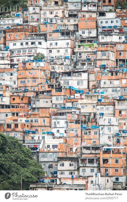 Favela Stadt bevölkert blau braun orange rot schwarz silber weiß Rio de Janeiro Armut Rauschmittel bandenkrieg favelas outcast ausgeschlossen Arme Haus