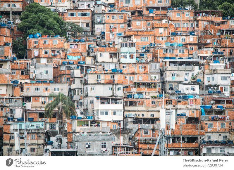 Favela Stadt blau braun grau orange schwarz weiß Township favela Brasilien Rio de Janeiro Haus Fenster Tür Armut Arme Farbfoto Menschenleer Tag