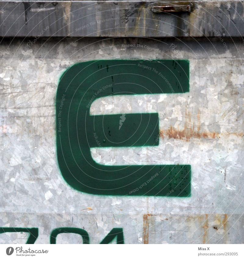 E grau dreckig Schilder & Markierungen Schriftzeichen Zeichen