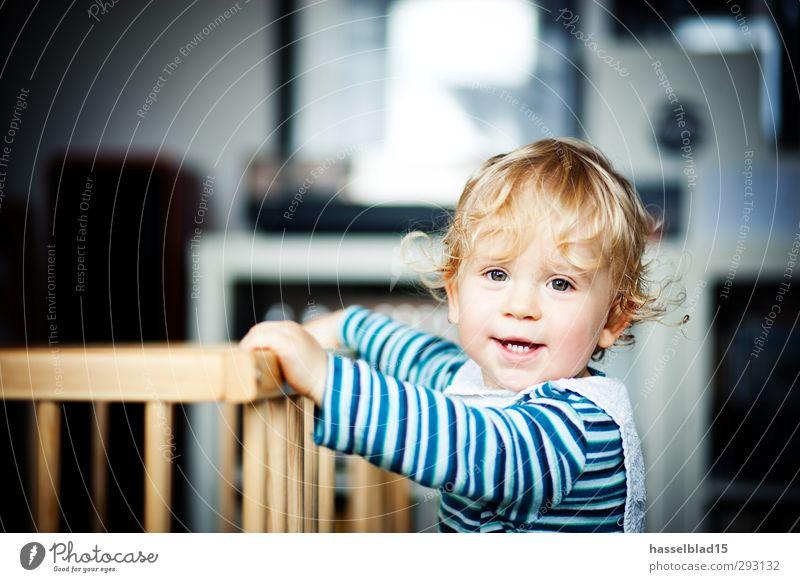 Max Mensch Kind Jugendliche Freude Umwelt Spielen lachen Junge Haare & Frisuren Glück Gesundheit Gesundheitswesen maskulin Raum Freizeit & Hobby Kindheit