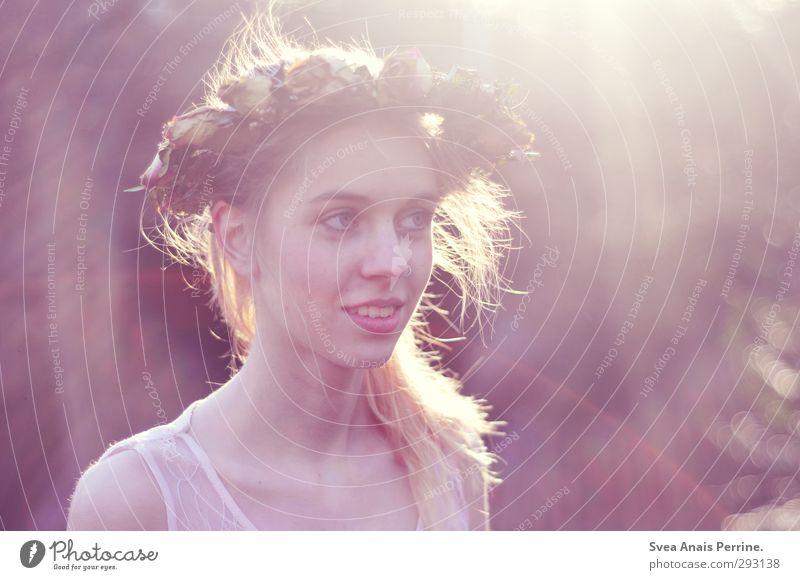 sommerkind. Mensch Natur Jugendliche Blatt Junge Frau Gesicht Erwachsene Umwelt feminin Gefühle Haare & Frisuren Glück 18-30 Jahre Blüte Kopf Mode