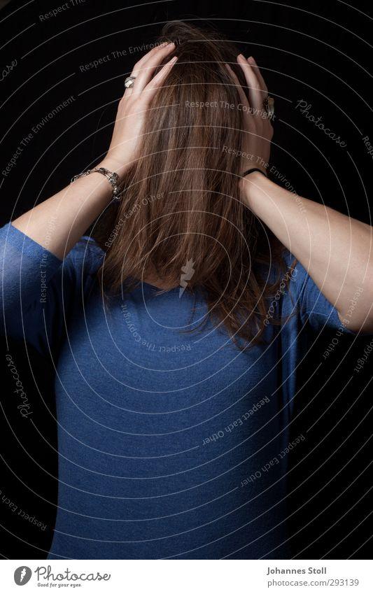 Haare Krishna IV Mensch Jugendliche blau schön Junge Frau Erwachsene feminin Haare & Frisuren 18-30 Jahre Kopf Behaarung verrückt Ring brünett Überraschung langhaarig