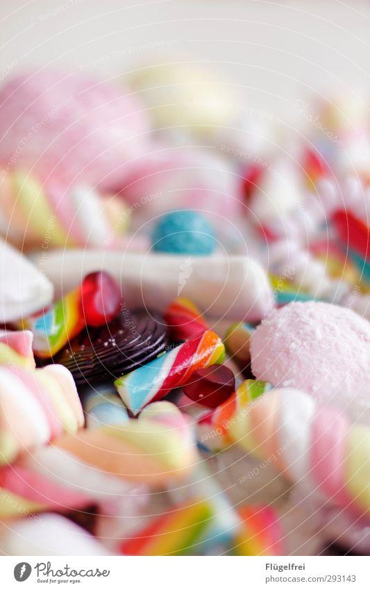 Die Fastenzeit kann beginnen! Essen Gesunde Ernährung genießen viele Karneval lecker Süßwaren Diät Zucker Sucht Dessert Haufen ungesund Gummibärchen Kaugummi