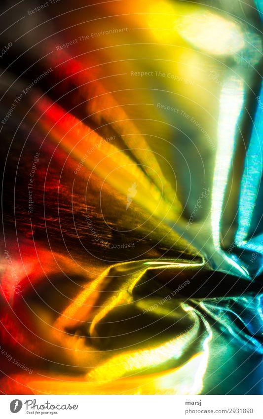 Hauptsache Bunt Farbenspiel spektral Falte Glanzlicht glänzend außergewöhnlich fantastisch frisch einzigartig mehrfarbig gelb gold rot Kraft Faltenwurf verrückt