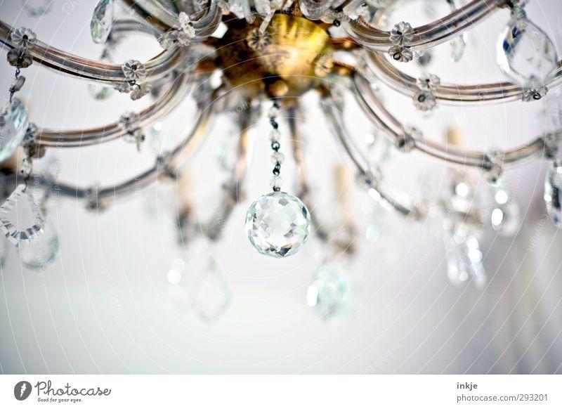 Kronleuchter | Antiquitäten Dekoration & Verzierung Kitsch Krimskrams Kristallkugel Kristallleuchter Glas Metall Gold glänzend hängen alt ästhetisch schön