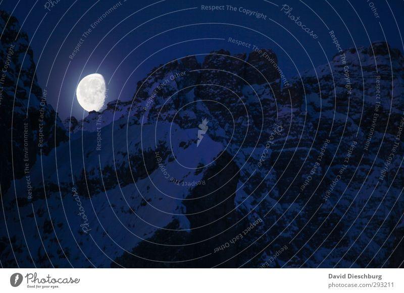Mondschein blau Ferien & Urlaub & Reisen weiß Landschaft Winter schwarz Ferne Berge u. Gebirge Schnee Felsen Eis wandern leuchten Schönes Wetter Abenteuer Frost