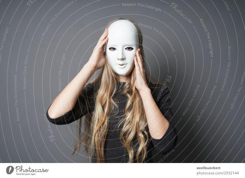junge Frau mit Maske Lifestyle Freizeit & Hobby Halloween Mensch feminin Junge Frau Jugendliche Erwachsene 1 18-30 Jahre Theaterschauspiel Schauspieler blond