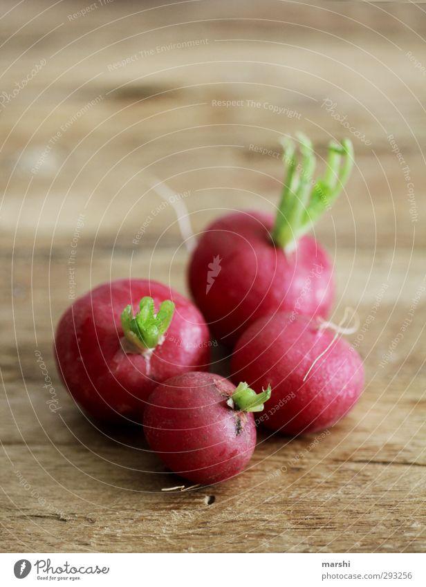 scharfe Fotos (800) Gemüse Ernährung Essen Bioprodukte Vegetarische Ernährung grün rot Scharfer Geschmack geschmackvoll Holztisch Würzig knackig lecker Farbfoto