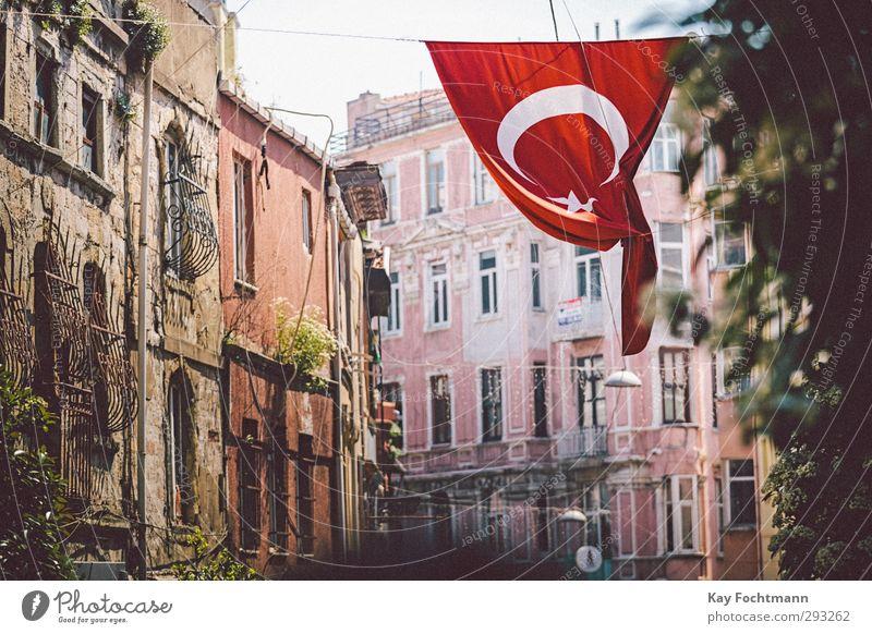 ° Ferien & Urlaub & Reisen Tourismus Ferne Sightseeing Städtereise Sommerurlaub Istanbul Türkei Europa Asien Stadt Hafenstadt Stadtzentrum Altstadt Haus
