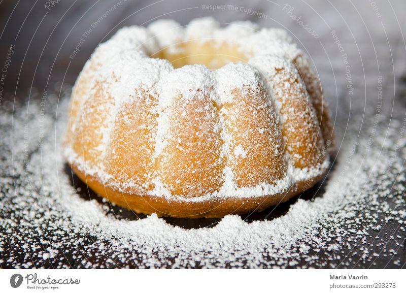Google: Gugelhupf! Lebensmittel Teigwaren Backwaren Kuchen Süßwaren Kaffeetrinken Tisch Küche Feste & Feiern Geburtstag Essen lecker süß genießen Puderzucker