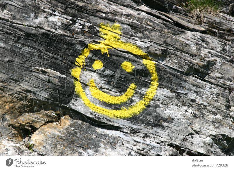 Stonesmiley gelb Stein Felsen Spray Smiley Felswand