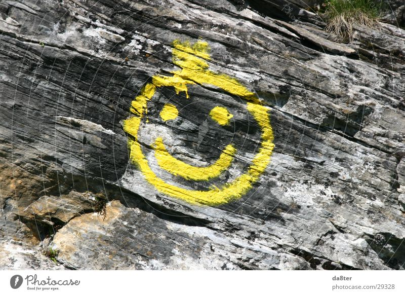 Stonesmiley gelb Stein Felsen Spray Smiley Felswand