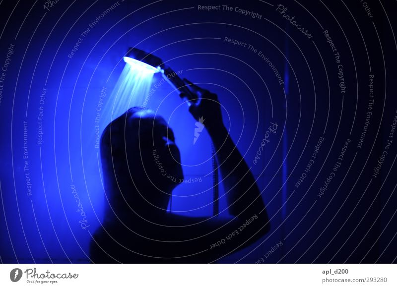 your tears schön Körperpflege Wellness Mensch feminin Frau Erwachsene 1 18-30 Jahre Jugendliche Wachstum frisch kalt nackt blau Gefühle ästhetisch Erholung