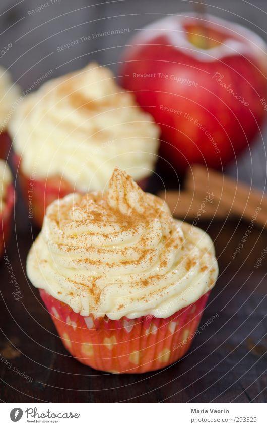 Weihnachtsleckerei in der Weihnachtsbäckerei Weihnachten & Advent Feste & Feiern Lebensmittel süß genießen Apfel lecker Süßwaren Kuchen Duft Backwaren Dessert Teigwaren ungesund Muffin Zimt