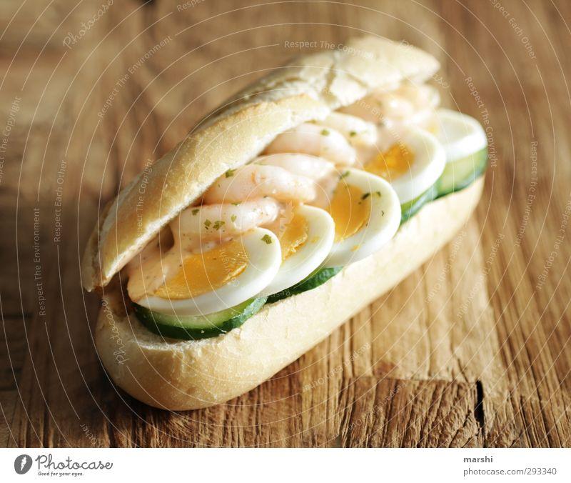 Nordsee-Gruß Lebensmittel Gemüse Brötchen Ernährung Essen Bioprodukte Diät Fastfood gelb grün Appetit & Hunger Garnelen Weißbrot Ei Gurke Holztisch Snack
