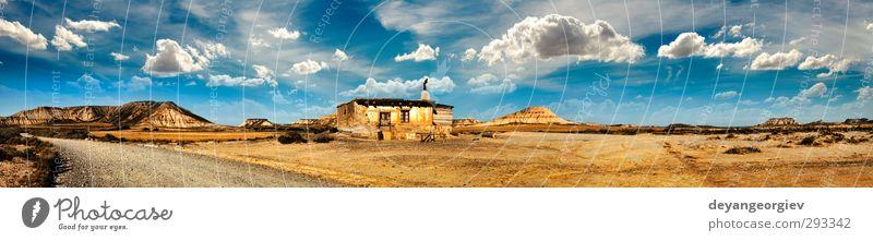 Himmel Natur blau alt weiß Landschaft Wolken Haus Traurigkeit Architektur Gebäude klein Stein Horizont wild Hügel