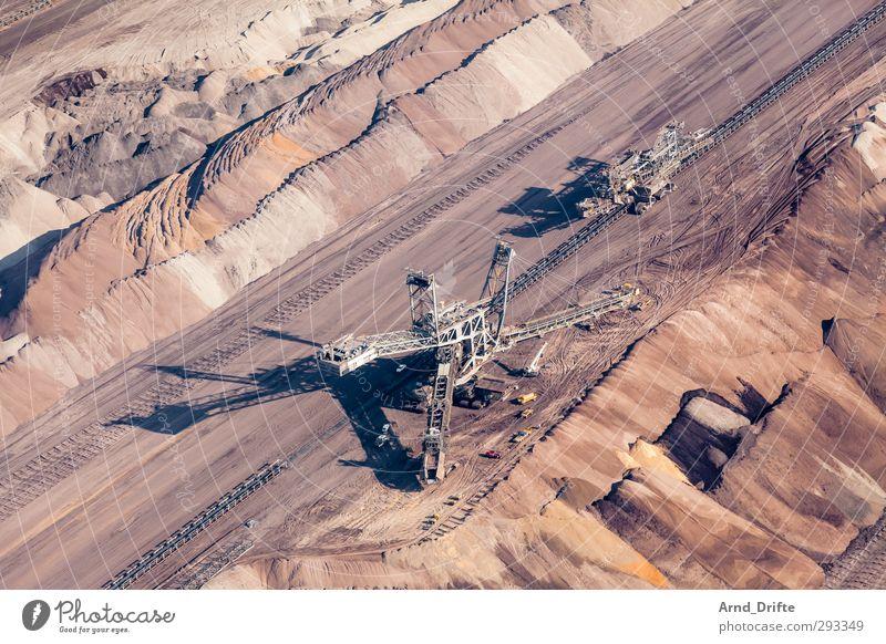 Braunkohletagebau Energiewirtschaft Umwelt Zerstörung Bagger baggern Braunkohlentagebau förderbrücke grube Kohle Loch Farbfoto Luftaufnahme Vogelperspektive