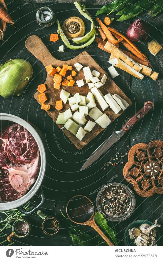 Zutaten für Fleischgerichte Lebensmittel Gemüse Suppe Eintopf Ernährung Bioprodukte Geschirr Topf Stil Design Gesunde Ernährung Häusliches Leben Restaurant