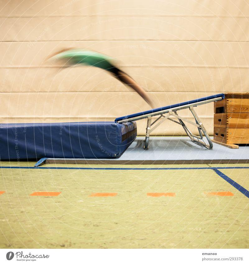 Flugparabel Lifestyle Freude Sport Sportler Mensch Kind Jugendliche Körper 1 Bewegung fliegen springen hoch Geschwindigkeit Trampolin sprunghaft Matten Ecke