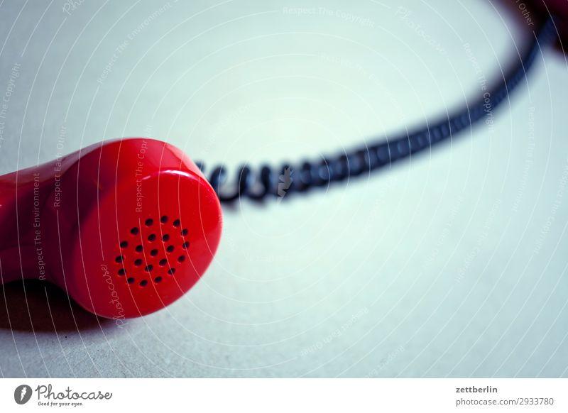 Telefonhörer alt sprechen Textfreiraum Büro Kommunizieren Telekommunikation heiß Verbindung analog Telefongespräch antik Mikrofon Sprache Fremdsprache