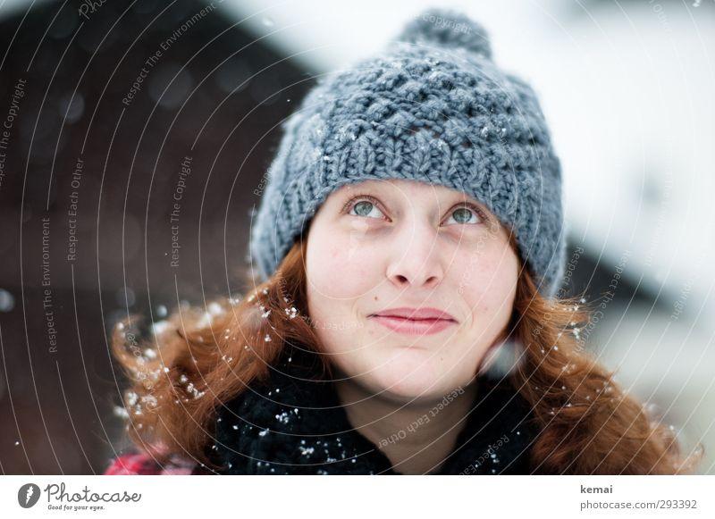 Gutes und Schnee von oben Ferien & Urlaub & Reisen Winter Winterurlaub Mensch feminin Junge Frau Jugendliche Leben Kopf Haare & Frisuren Gesicht Auge Nase Mund