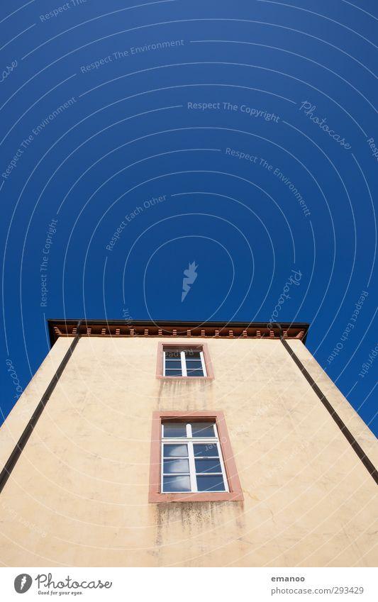 Blaugelb Luft Himmel Stadt Altstadt Haus Burg oder Schloss Turm Bauwerk Gebäude Architektur Mauer Wand Fassade Fenster Dach eckig hoch blau Fensterscheibe alt