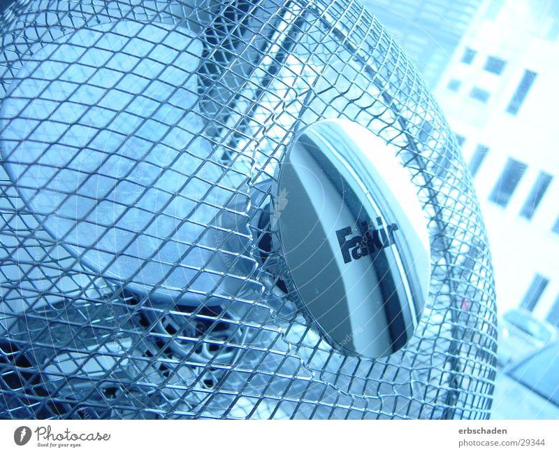 Ventilator hell-blau rund Gitter Gitternetz Luft Elektrisches Gerät Technik & Technologie Luftquirl Bewegung Drehung