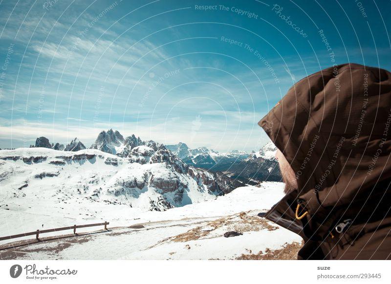 Schauplatz Mensch Himmel Natur Mann blau Ferien & Urlaub & Reisen Landschaft Wolken Erwachsene Umwelt Berge u. Gebirge Schnee Frühling außergewöhnlich maskulin