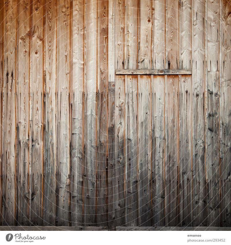 Tortür 1 Baum Haus Hütte Burg oder Schloss Architektur Mauer Wand Fassade Tür alt braun Holz Holzbrett Durchgang Versteck geschlossen Verlauf Kontrast