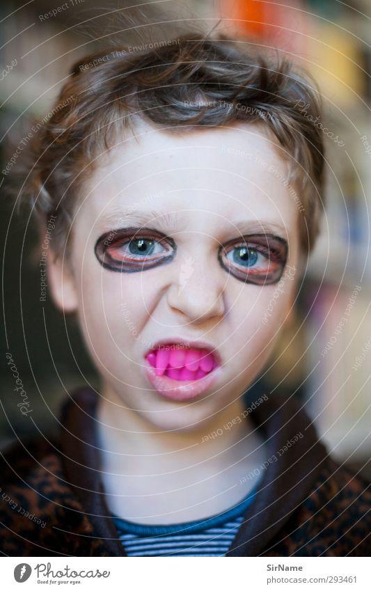 215 [Halloween Vampir] Mensch Kind Freude Junge lustig Kindheit wild niedlich Wandel & Veränderung Jugendkultur gruselig brünett skurril Schminke bizarr trashig