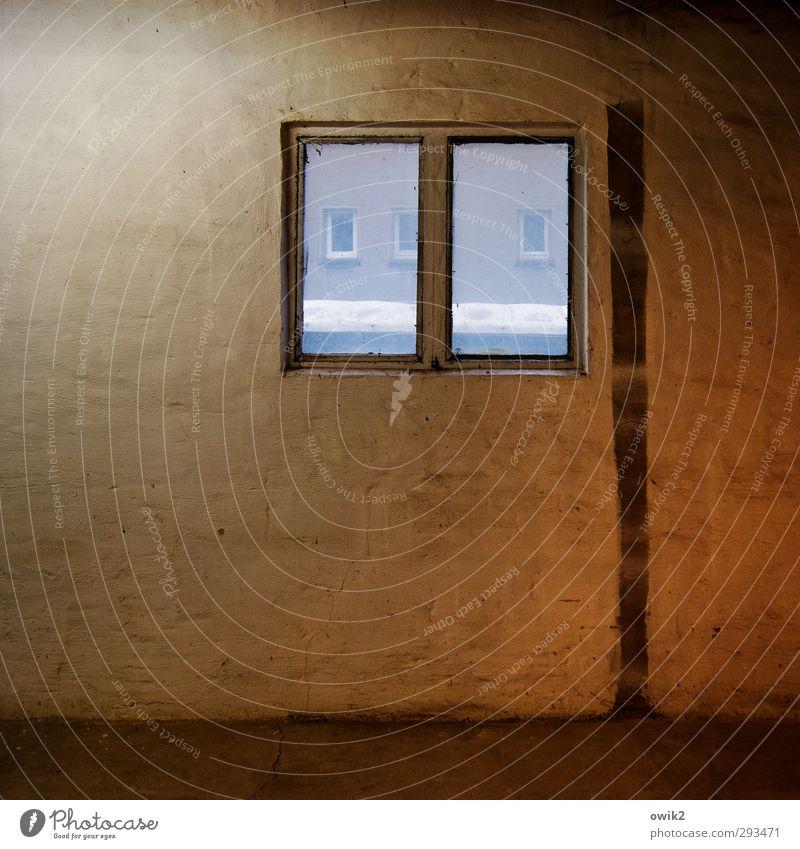 Kleine Fenster Wand Mauer klein Raum einfach eckig Lagerhalle bescheiden sparsam Ordnungsliebe